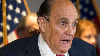 Rudy Giuliani durante una de las acaloradas intervenciones en las que defendió que existía un plan a nivel nacional para sacar a Trump de la Casa Blanca.
