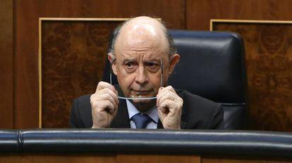 Cristóbal Montoro, ministro de Hacienda, en el Congreso de los Diputados.