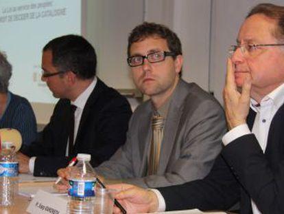 De izquerda a derecha. Casals, Tusseau, Royo y Ramoneda, ayer, en la conferencia en París.