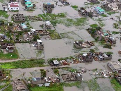 Vista aérea de la ciudad de Beira, en la costa de Mozambique, arrasada por el ciclón Idai.