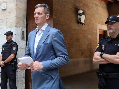 Iñaki Urdangarin sale de la Audiencia de Palma de Mallorca, en junio de 2018. En vídeo, el Tribunal Constitucional inadmite el recurso de Urdangarín.
