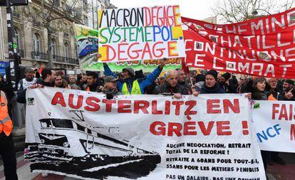 Manifestantes en la última huelga contra la reforma de pensiones, el 10 de diciembre