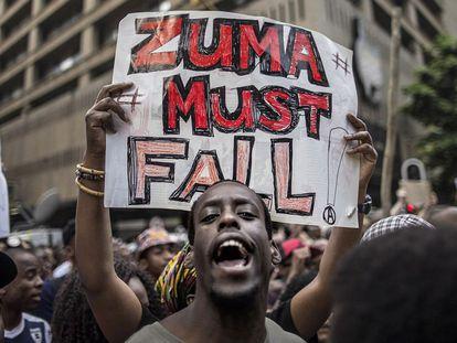 Protesta juvenil contra la subida de tasas universitarias en Sudáfrica.