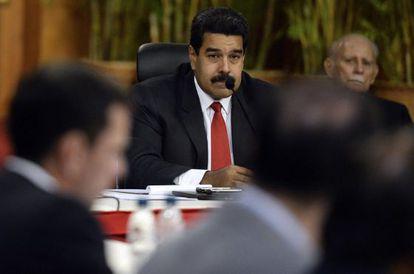 Maduro escucha a Capriles en la reunión de la semana pasada