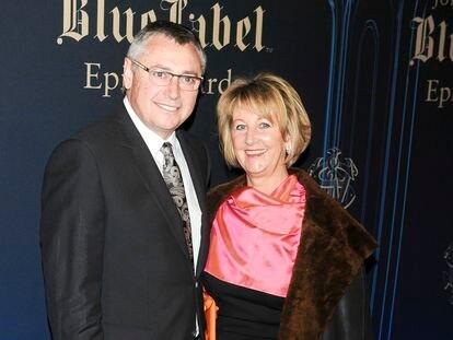 Michael Robinson y Christine Anne Robinson en una entrega de premios en Madrid en 2012.