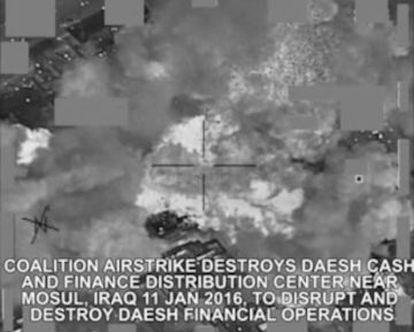 Ataque aéreo de la coalición contra el ISIS.