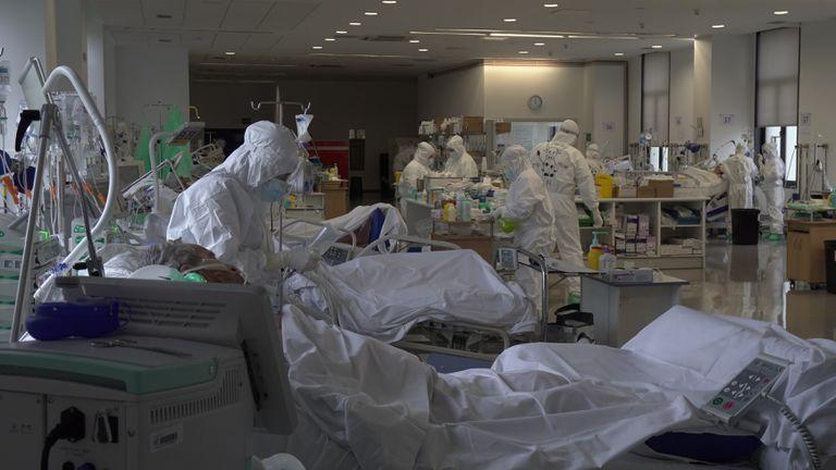 La Unidad de Cuidados Intensivos del Hospital Universitario Marqués de Valdecilla de Santander, en noviembre de 2020.