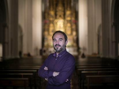 Moisés Sánchez, pianista, en la Iglesia del Perpetuo Socorro, en Madrid, donde dará su próximo concierto.