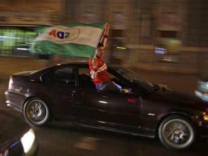 Un partidario de la formación musulmana SDA, el 13 de octubre en Sarajevo