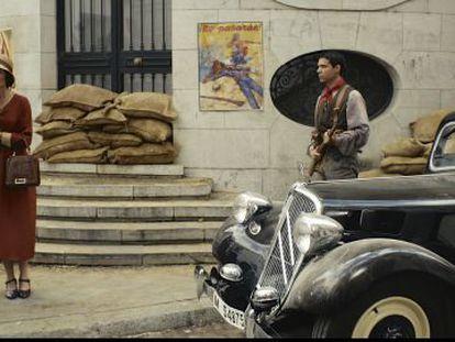 Carlos Álvarez-Nova (en el papel de Juan Ramón Jiménez) y Tamara Arias (Zenobia Camprubí) en una escena del filme.