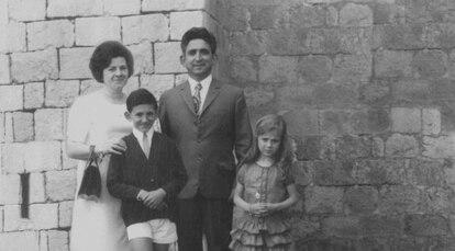 La familia Páramos. Evaristo es el niño de la izquierda.
