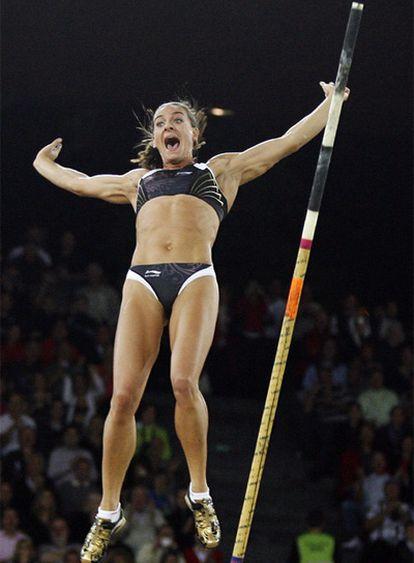 Isinbayeva, tras superar en Zúrich, el 28 de agosto, los 5,06m.