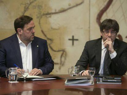 Carles Puigdemont (d) y Oriol Junqueras, el pasado martes.