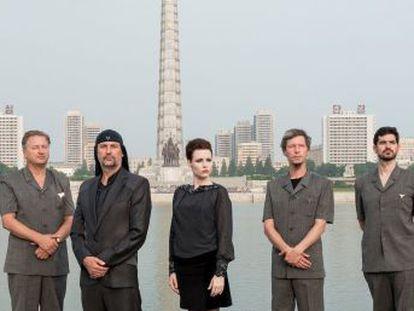 Un documental relata el periplo, en 2015, de los eslovenos Laibach, los pioneros en dar un concierto en el totalitario pais asiático