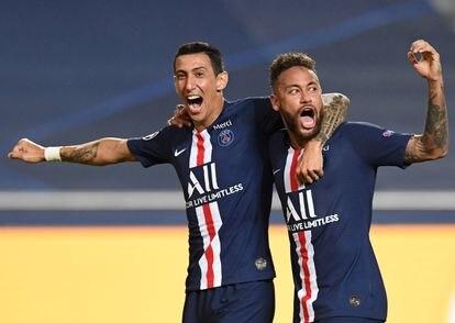 Di María celebra con Neymar uno de los goles al Leipzig.