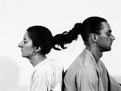 Marina Abramovic y Ulay, en la 'performance' 'Relation in Time' (1977).