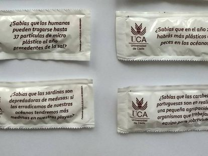 Algunos de los azucarillos con frases científicas.
