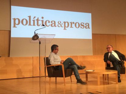 El periodista Rafael Jorba conversa con el escritor Jordi Amat.
