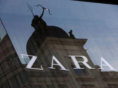 El logotipo de Zara en una tienda de Madrid.