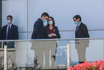 Visita del presidente del Gobierno, Pedro Sánchez, a la empresa Hersill en un polígono de Móstoles (Madrid).