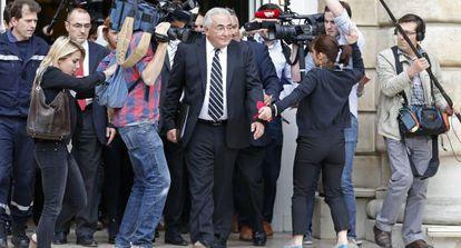 Dominique Strauss-Kahn tras una comparecencia ante el juez.