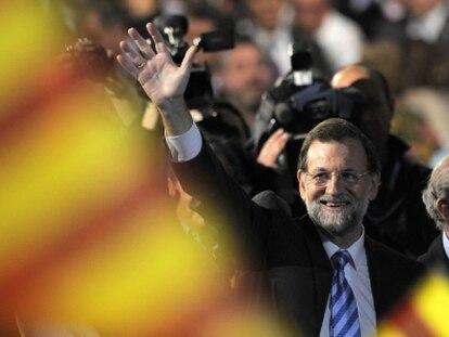 Los datos empujan a Rajoy, pero le nublan el futuro