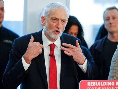 El líder del Partido Laborista, Jeremy Corbyn, durante su discurso de este jueves en Wakefield (Reino Unido).