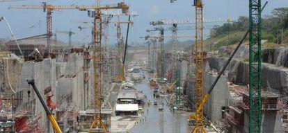 Obras de construcción de ampliación del canal de Panamá a cargo de Sacyr.