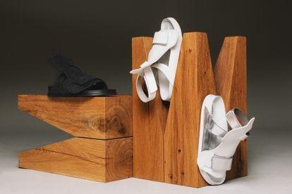 Las tres versiones de la sandalia Bukarest, de Alecsander Rothschild para Birkenstock.