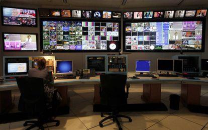 Control de emisiones de Torrespaña, desde donde se distribuyen las señales de la TDT.