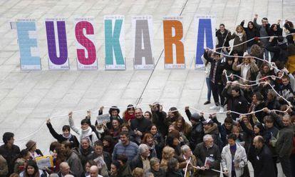 Acto celebrado por el Ayuntamiento de San Sebastián para conmemorar el Día Internacional del Euskera.