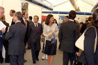 La presidenta de Banesto, Ana Patricia Botín, visitó la feria de empleo del Instituto de Empresa.