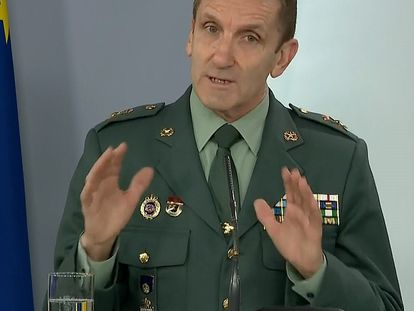 Comparecencia del Jefe del Estado Mayor de la Guardia Civil, general José Manuel Santiago, este domingo durante la rueda de prensa.