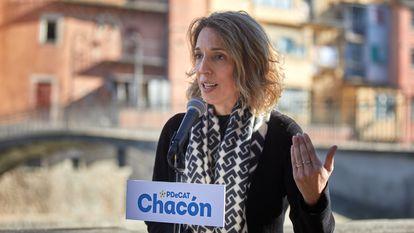 La candidata del PDeCAT en las elecciones catalanas, Àngels Chacón, en un acto en Girona.