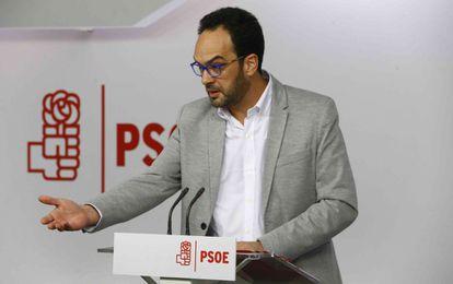 Antonio Hernando, este sábado, analiza en rueda de prensa las propuestas de acuerdo de Gobierno de Podemos.