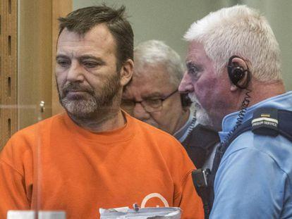 Philip Neville Arps, a la izquierda, este martes en el juzgado de Nueva Zelanda que le ha condenado a 21 meses de cárcel.