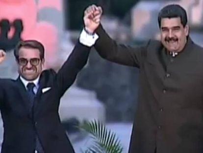 Rafael Lacava y Nicolás Maduro, en el acto en el que Lacava juró el cargo como gobernador de Carabobo, en Venezuela.