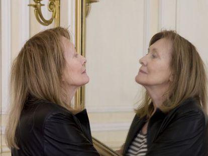 La novelista Annie Ernaux, retratada en la sede parisiense de la editorial Gallimard.