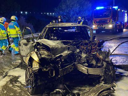 Estado en el que quedó uno de los vehículos implicados en el choque frontal.