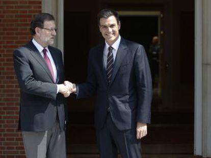 Mariano Rajoy y Pedro Sánchez en La Moncloa, el 28 de julio.