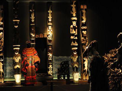 Pórtico del Palacio del Rey de Oku. Camerún. Siglo XIX-XX.