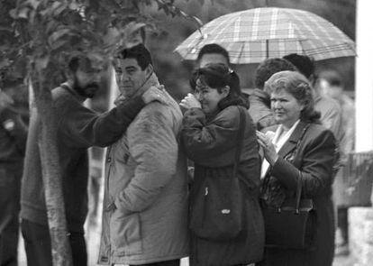Familiares de Ana Orantes, durante su entierro.