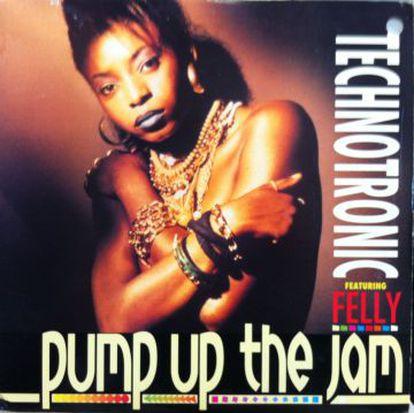 La compañía de discos decidió poner a esta chica en la portada ya que la que cantaba no era lo suficientemente atractiva.