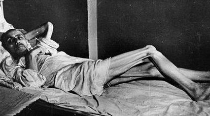 Una víctima de las hambrunas padecidas en Ucrania en los años treinta, en una imagen usada por la propaganda alemana en 1941 y 1942.