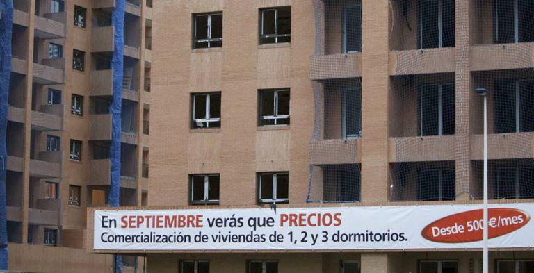 Vista de unos edificios de viviendas en construcción en Valencia.