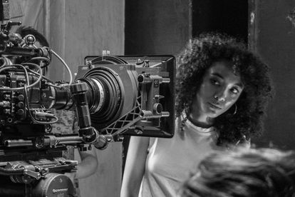 Una participante en el taller de cine de Mantarraya.