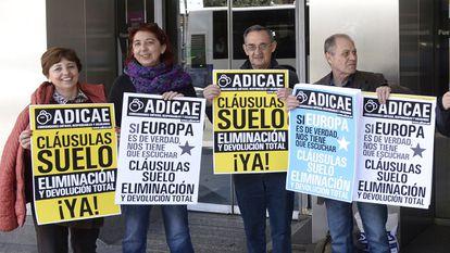 Protesta contra las cláusulas suelo en Valladolid, a finales de 2016.