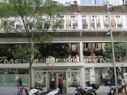 La fachada de Aval Madrid en el centro de la capital.