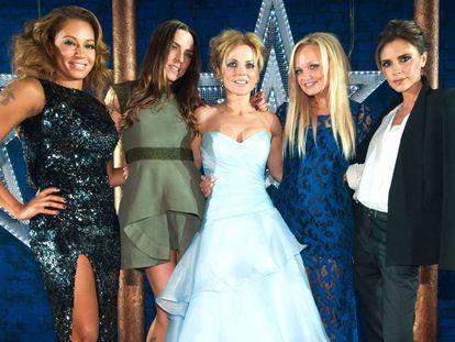 De izquierda a derecha: Mel B, Mel C, Geri, Emma y Victoria Beckham, en 2012.