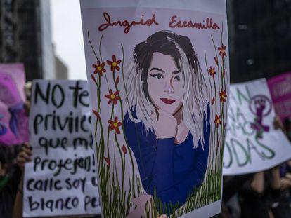Una protesta frente al Palacio Nacional para exigir justicia por el feminicidio de Ingrid Escamilla en 2020.